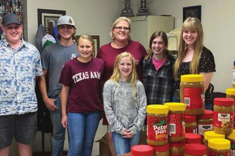 4-H Club holding peanut butter drive