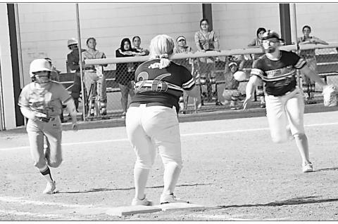 Lady Bulldogs overcome Lady Hawks